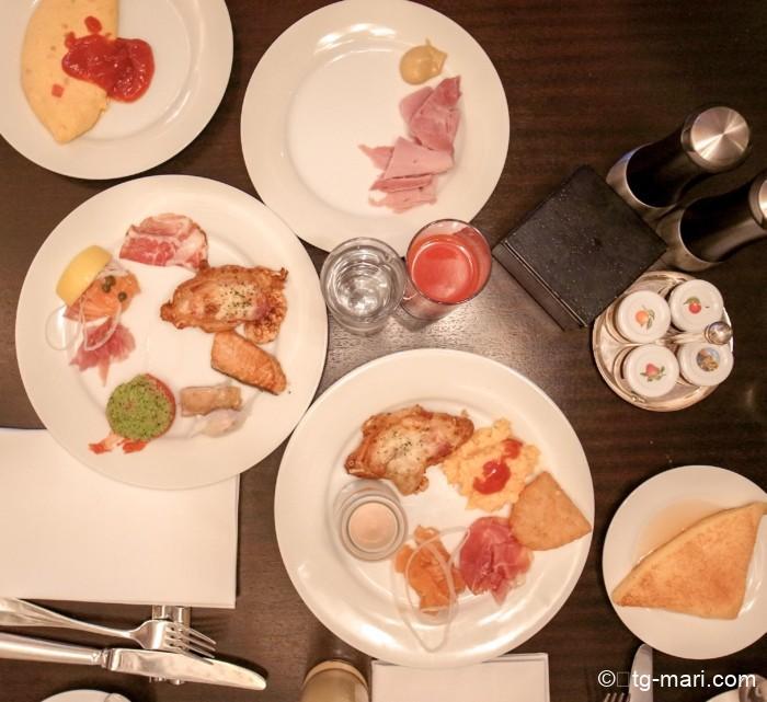 フレンチキッチンの朝食
