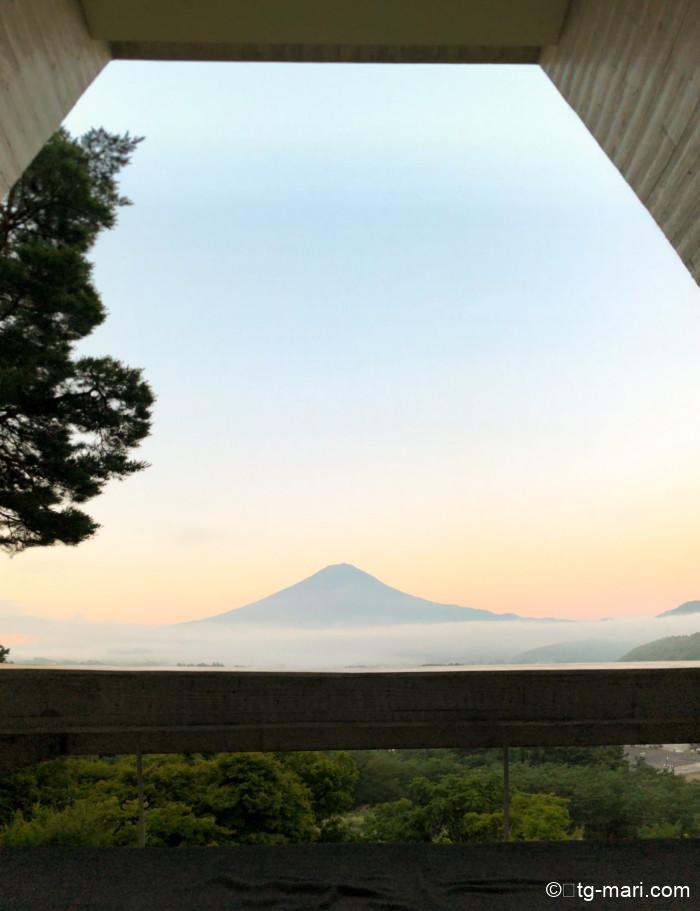 星のや富士の朝の眺め