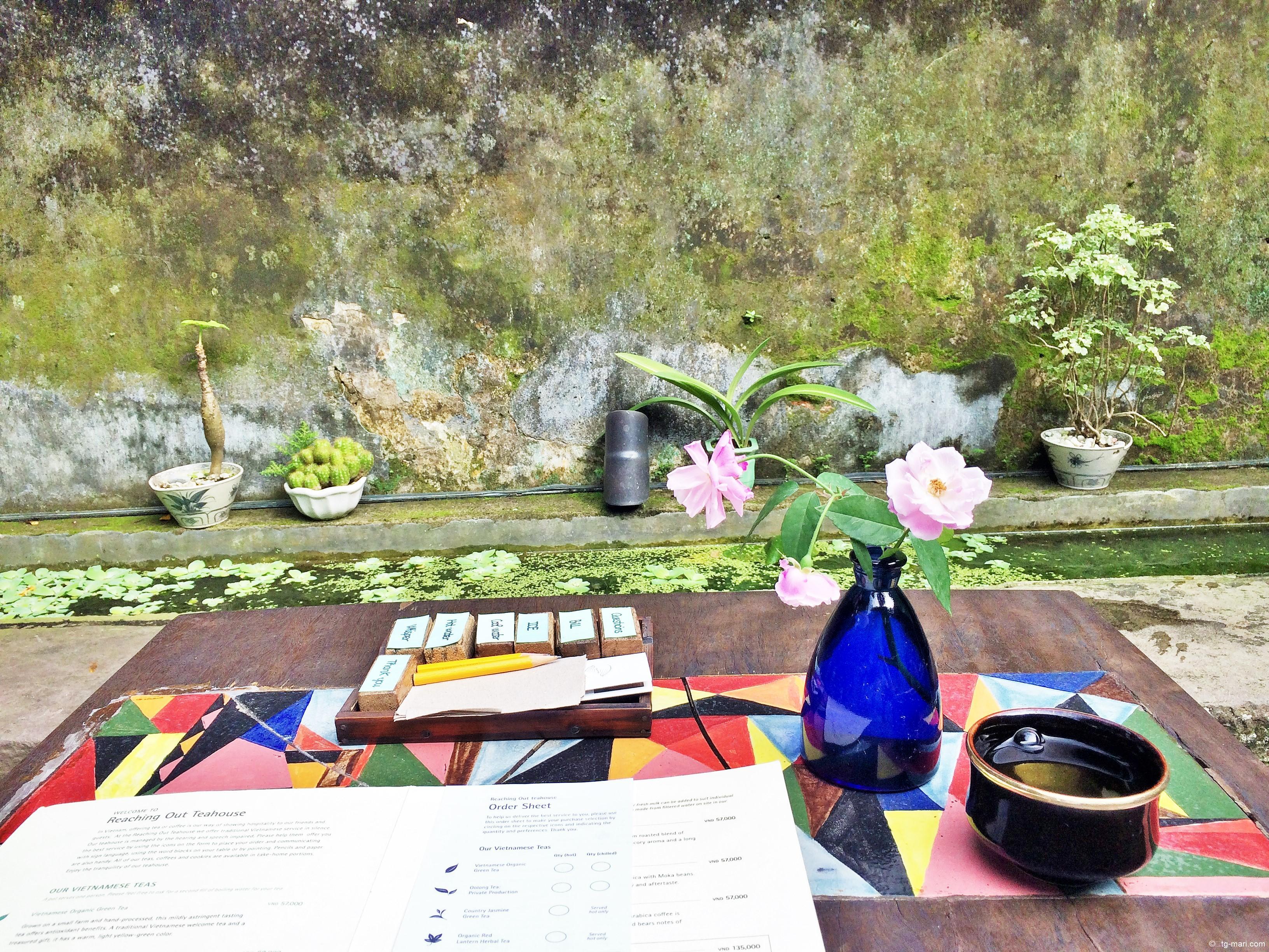 ホイアンの隠れ家カフェ「Reaching Out Tea house」