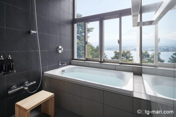 星のや富士の富士山の見えるバスルーム