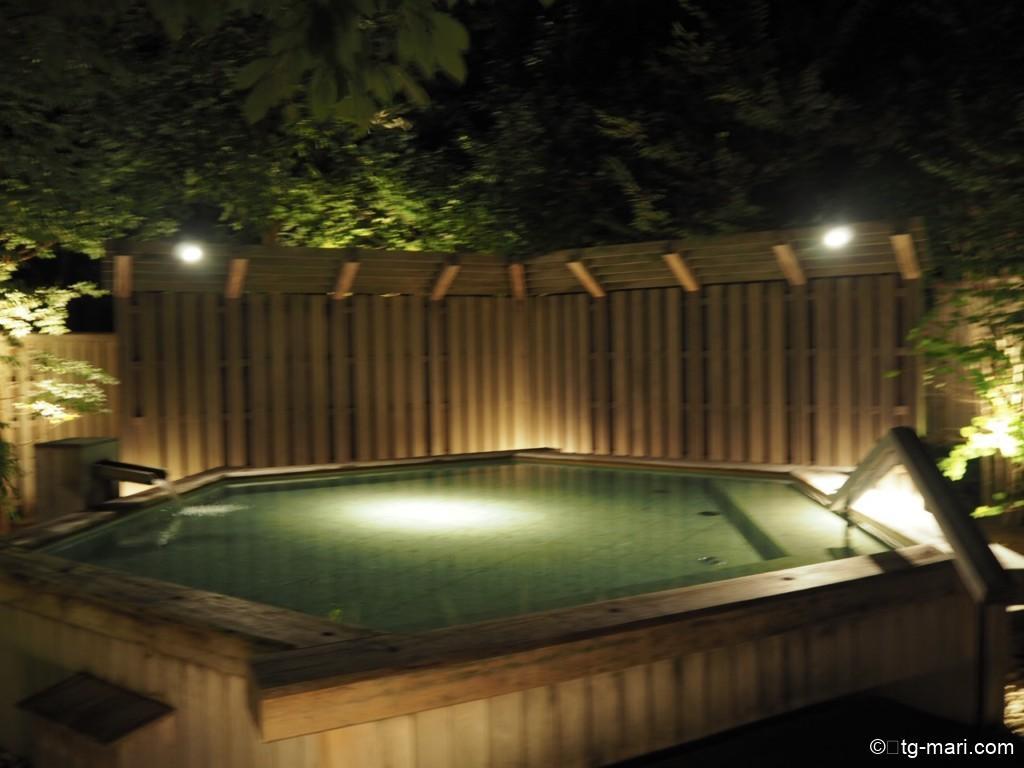 坐漁荘庭園露天風呂