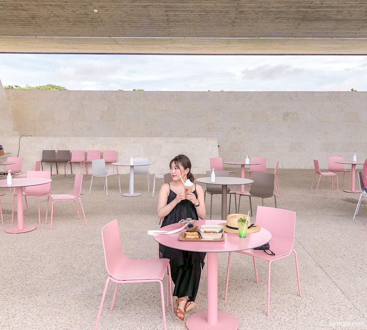 星のや沖縄のバンタカフェ