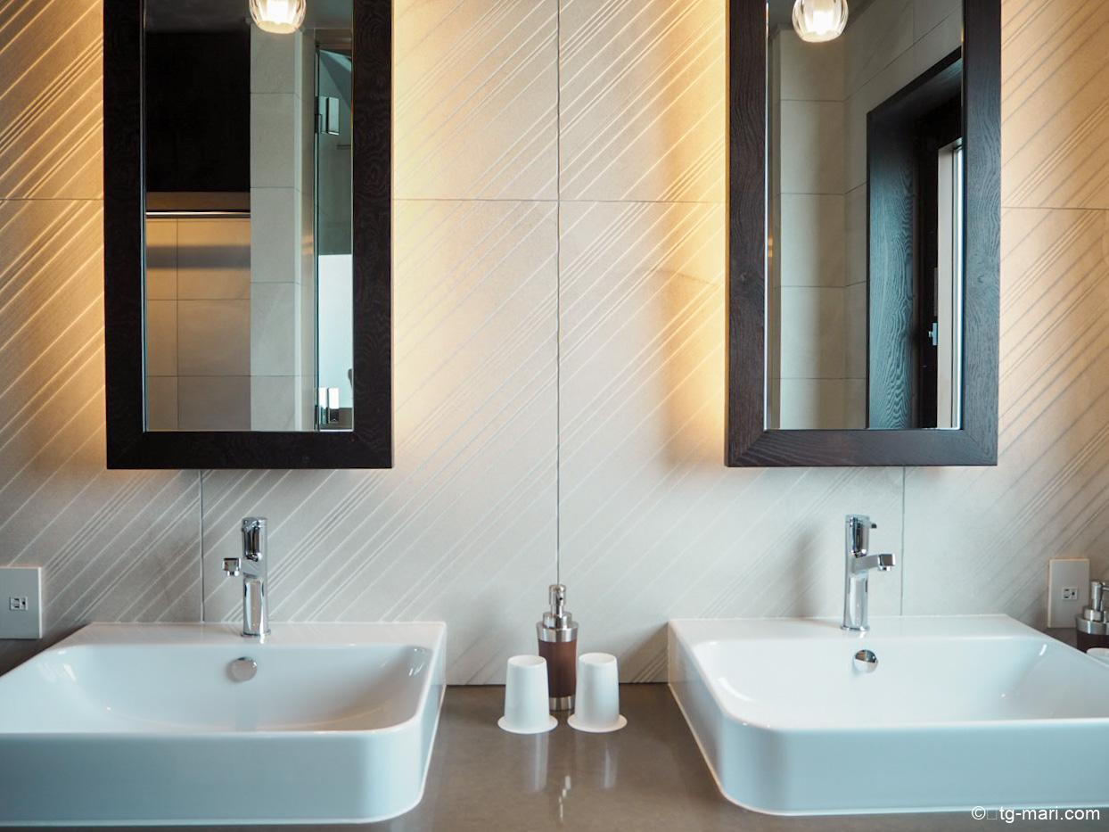 星のや沖縄フゥシのバスルーム