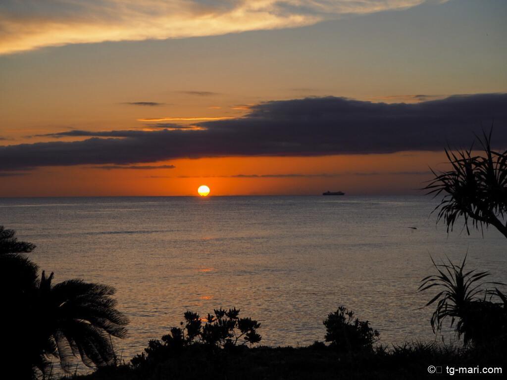 星のや沖縄のサンセットプール